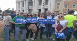 Incredibile manifestazione in Piazza San Giovanni: la Lega in testa!
